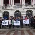 Творци от операта излязоха на протест