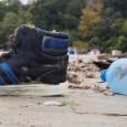 Варненският плаж се превърна в бунище (снимки)