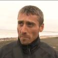 Рибар: Биха ме полицаи.Властите:Той е бракониер
