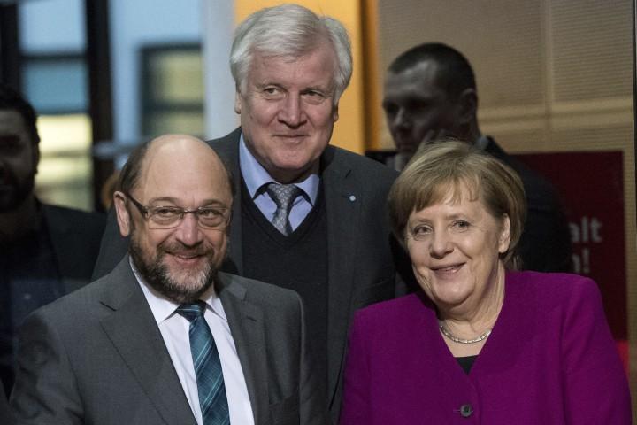 Консервативният блок на германския канцлер Ангела Меркел и Социалдемократическата партия