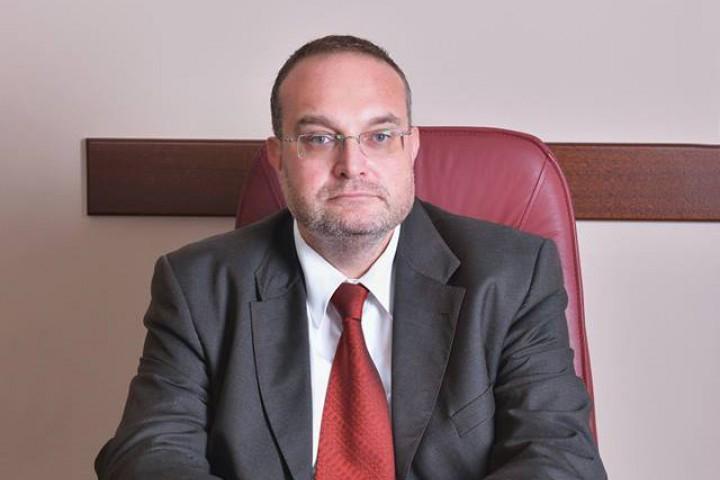 Потърсих за коментар адвокат Стефан Левашки след като видях негов