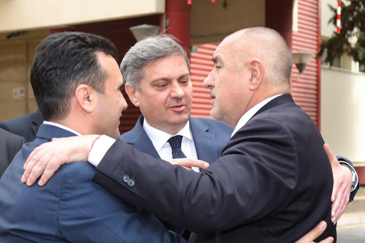 Меркел поздрави България (нейното правителство), че се е ангажирала да