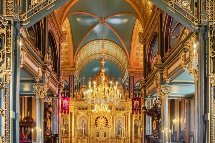 "С ""Христос возкресе, воистина Возкресе"" няколко хиляди православни българи посрещнаха"