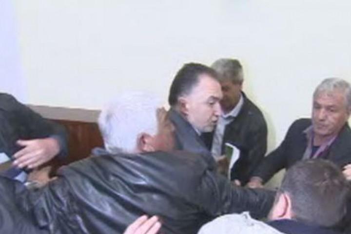 """Председателят Божидар Лукарски поиска да насочи партията към """"консервативно-патриотична"""" коалиция"""